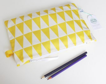 Large zip - pouch pattern TRIANGLE yellow - 28 x 18 cm (zipper pocket)