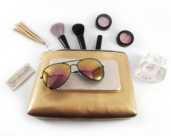 Pesrsonalized makeup bag Monogrammed gift for her Monogram makeup bag Personalized cosmetic bag Gold monogram bag Personalized gift for her
