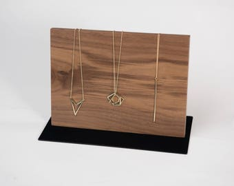 Horizontal Necklace Easel
