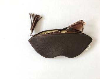 Dark brown sunglasses case, vegan leather glasses holder, eco leather pouch, zipper women purse, eyeglasses case, brown bag, summer bag