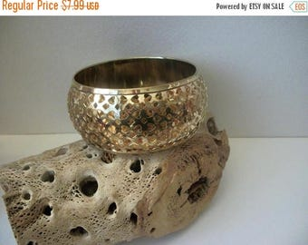 ON SALE Vintage Wide 1950s Bright Gold Tone Grid Metal Bangle 51117