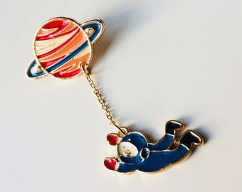 Astronaut | Planet | Space | Cute | Pin | Badge | Retro | Hipster | Upcycle | Accesory | Modify