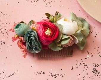 Wedding hair comb, wedding hair accessory, bride flower comb, flower comb, bridesmaid flower comb, bohemian flower comb, silk flower comb