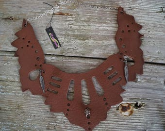 Necklace brown leather