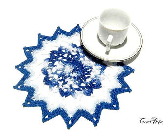 Small Crochet Doily,  White and Blue Doily, Coasters, Table decoration, Round Doily, Centrino piccolo Bianco e Blu