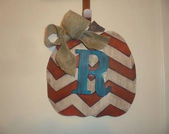 """Pumpkin Door hanger """"R"""""""