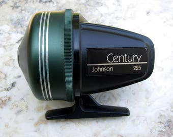 Johnson Century 225 Graphite Spincast Fishing Reel