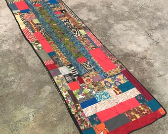 Bohemian Runner - Handmade Table Runner - BOHO Suzani Table Cover - Vintage Suzani Bedspread - PATCHWORK Design Wall Hanging - Floral Fabric