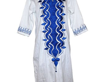 Beautiful 3/4 Sleeve Polish Cotton Kaftan with  Front Embroidery Design