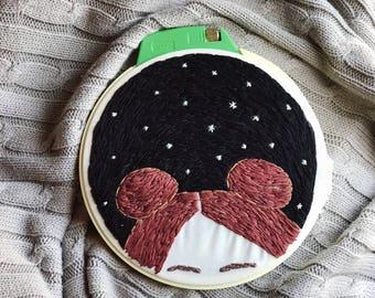 "Spce Buns - 7"" embroidery hoop"