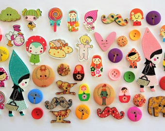 Clearance! Wooden Buttons 200 units-SALE! 200 assorted wooden buttons-sales! Wooden Buttons-HOLZKNÖPFE