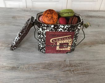 Vintage French specked pail lunch box