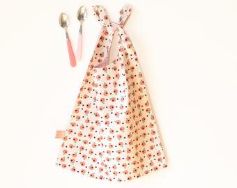 large reversible bib , large bib, reversible bib, babyshower gift , kids napkin to tie around the neck for kids , large neck bib , apple,