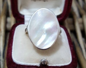 Vintage sterling silver ring, large mother of pearl, size s, 925 solid silver