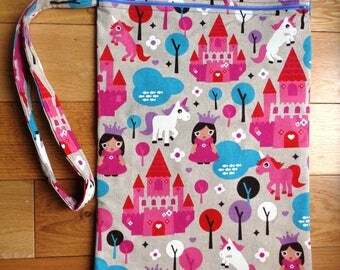Muddy Boot Poppins Waterproof Lined Zip Pouch  Boot Bag  Welly Bag  Wellington Bag - Travel  Luggage - Wet Weather - PE - Unicorn Princess