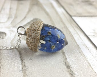 Acorn necklace-Forget me not acorn necklace-acorn-resin jewelry-real flower jewelry-blue-resin acorn-forest jewelry-woodland jewelry