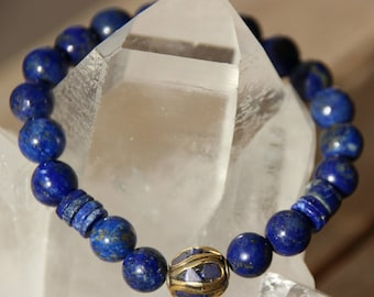 Bracelet with semi-precious lapis lazuli beads