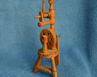 Dollhouse Wooden Spinning Wheel