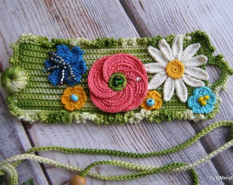 Crochet bracelet with wildflowers | For her | gift idea | knitted button
