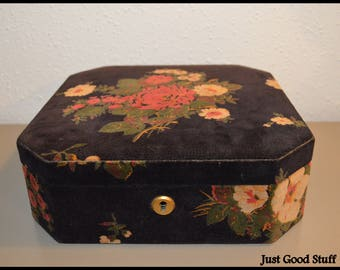Beautiful Vintage ~ Made in Italy ~ Jewelry Box with Floral Design on Top