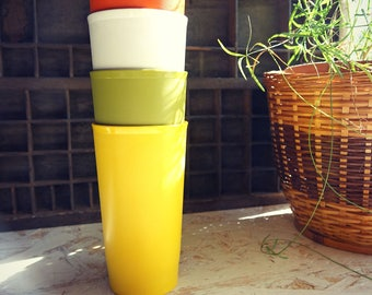 Color - goblets plastic cups with plastic - vintage Tupperware