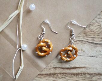 Pretzel earrings - fimo clay pretzel - polymer clay pretzel - fimo earrings - clay earrings - Alsacian jewelry - Alsacian gift