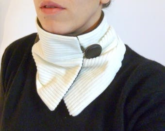 Collar gashes snood beige velvet and brown leather yoke