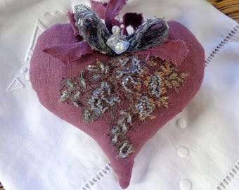 Pretty romantic heart linen pink Heather and beaded lace applique