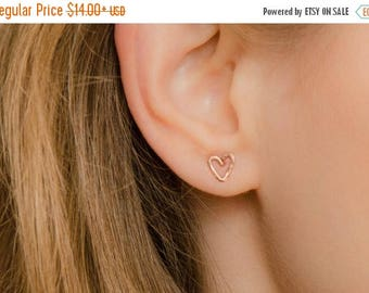 SALE - Heart Studs Earrings - Rose Gold Studs - Rose gold heart earrings