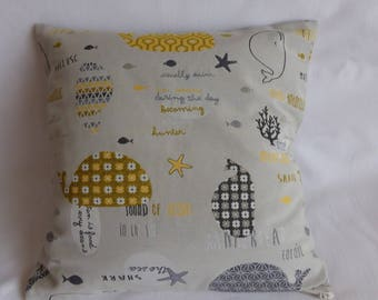 Pillow cover in fabric, beige, boning, closed with zipper