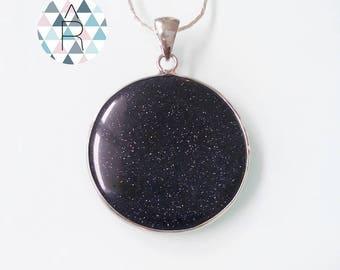 Pendant 40mm goldstone round / gems