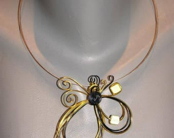 Yellow aluminum wire fashion necklace