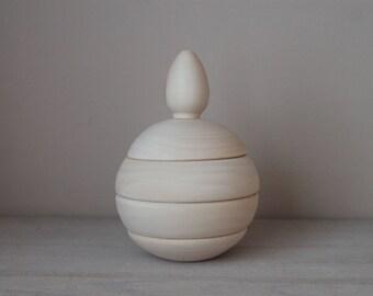 Wooden pyramid - ball