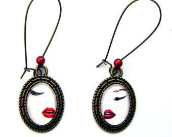 "Earrings ""Mouth"" Oval cabochons"