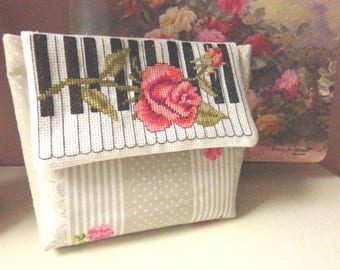 Cosmetic bag with pink roses, Pink floral cosmetic bag, Makeup bag, Birthday gift, Floral makeup bag, Rose pink makeup bag