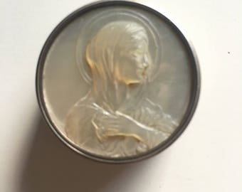 Mother of pearl silver snuff box