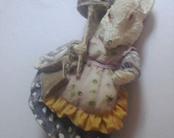VIntage Resin Mrs Mouse Fridge Magnet