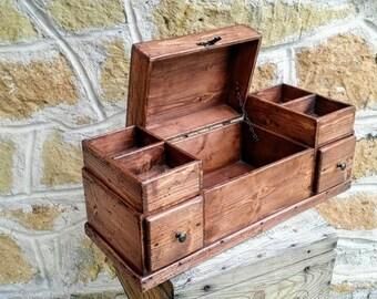 Scatole in legno recuperato e arredamento di dorealistudioroma for Arredamento rustico italiano