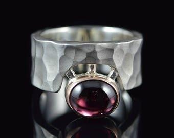 """Ring """"Cíclope"""" Matt/-585er gold Garnet"""