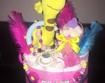 Model giraffe diaper cake