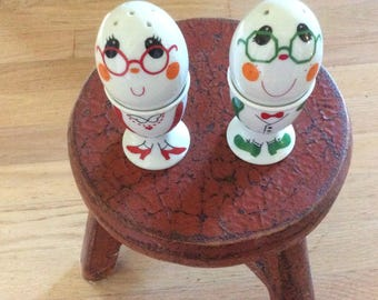Vintage Mug People Shakers and Egg Cups, Two in One, Stickers On all Pieces, Mint Condition!
