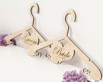 Wedding hangers SET OF 2 - CUSTOM bride hanger - Wedding dress hanger - Personalized bridal hanger - Grooms hanger - Bridal shower gift