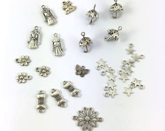 Set of 25 models charms varied in antiqued silver tone metal