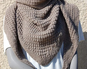 Hand knitted scarf taupe fancy stitch
