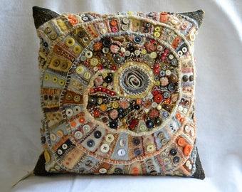 Spiral button cushion
