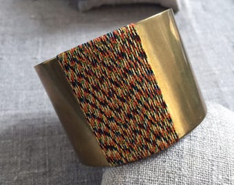 Brass and gold thread - hippie Cuff Bracelet chic brass and multicolored yarn - Bohemian Style