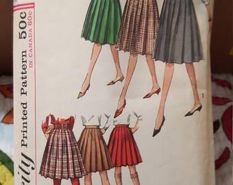 Vintage Simplicity 5033 size 23 waist