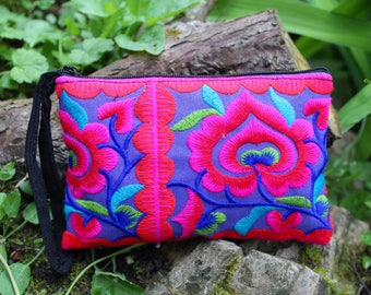 Embroidered Hmong purse, coin purse, small purse, ethnic purse, Thai purse, bohemian purse, colourful purse, gifts for her