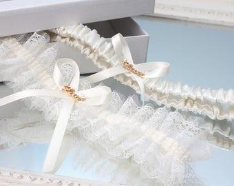 ivory garter set with gold, ivory wedding garter set, ivory garter set, ivory lace garter set, ivory bridal garter set, ivory tulle garter