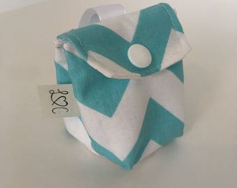 Bag in blue and white chevron pacifier